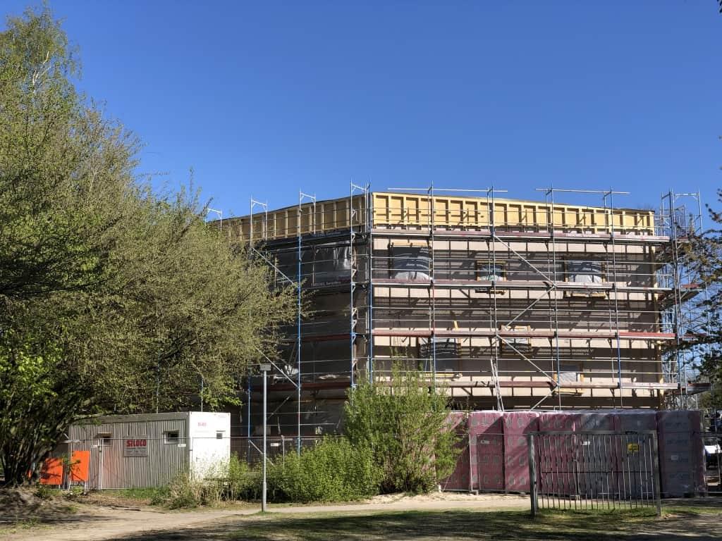 Das Willkommenshaus in der Bauphase.
